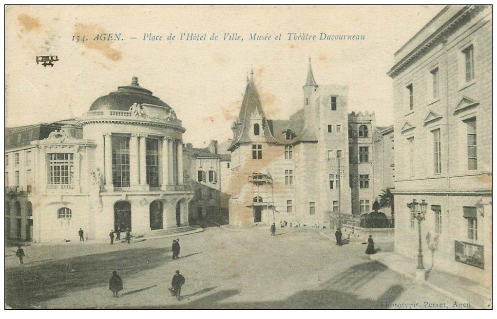 carte postale ancienne 47 AGEN. Musée et Théâtre Ducourneau Plac Hôtel de Ville 1915