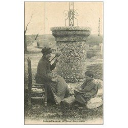 carte postale ancienne 47 LOT-ET-GARONNE. Fileuse à la Quenouille 1905. Vieux métiers