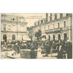 carte postale ancienne 47 VILLENEUVE-SUR-LOT. Jour de Foire Place de la Mairie