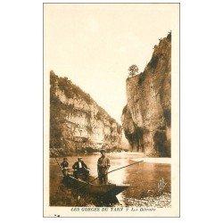 carte postale ancienne 48 GORGES DU TARN. Les Détroits. Passeur en barge