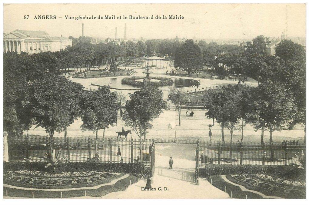 carte postale ancienne 49 ANGERS. Mail et Boulevard dce la Mairie 1917