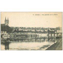 carte postale ancienne 49 ANGERS. Pêcheur sur la Maine