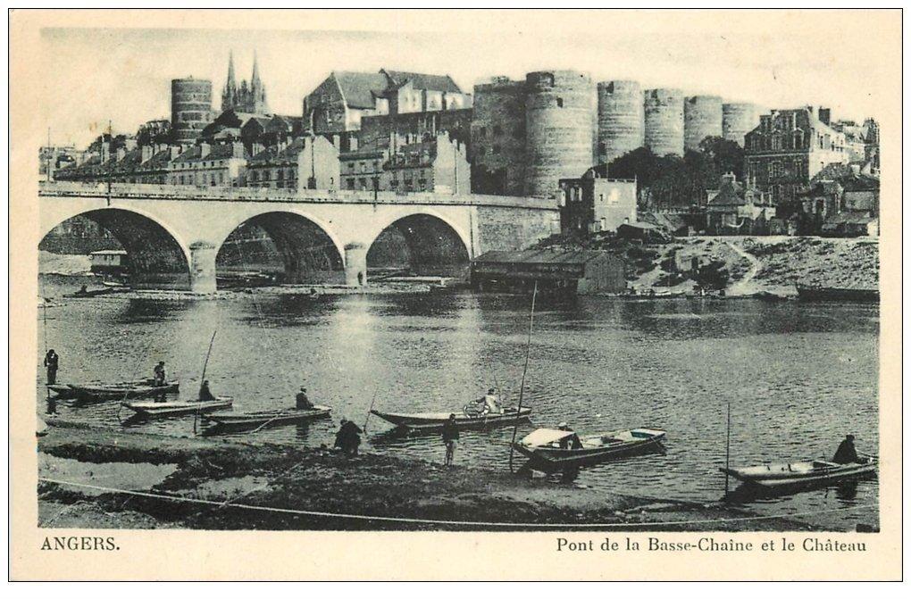 carte postale ancienne 49 ANGERS. Port de la Basse-Chaîne avec Pêcheurs sur barque