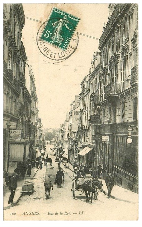carte postale ancienne 49 ANGERS. Rue de la Roë 1910