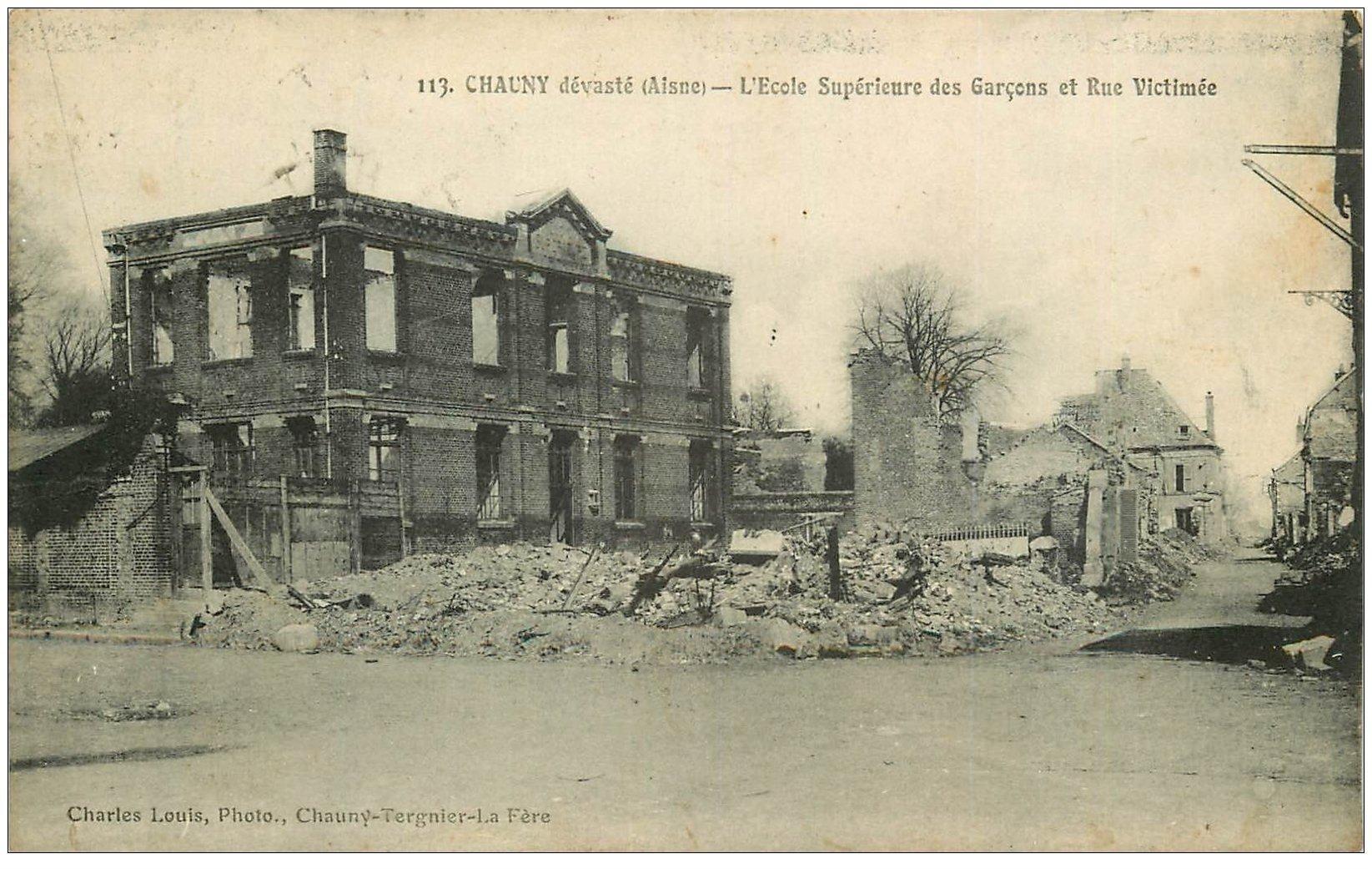 carte postale ancienne 02 CHAUNY. Ecole Rue Victimée 1923