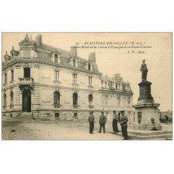 carte postale ancienne 49 BEAUFORT-EN-VALLEE. Hôtel Caisse d'Epargne Place Pomone