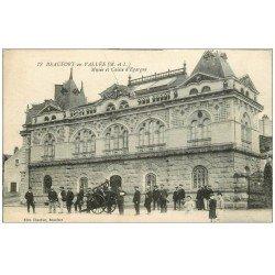 carte postale ancienne 49 BEAUFORT-EN-VALLEE. Musée et Caisse d'Epargne. Pompiers avec leur Pompe