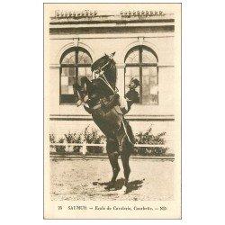 carte postale ancienne 49 SAUMUR. Ecole de Cavalerie. Courbette