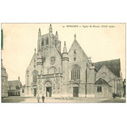 carte postale ancienne 59 BERGUES. Enfants devant Eglise Saint-Martin 1907