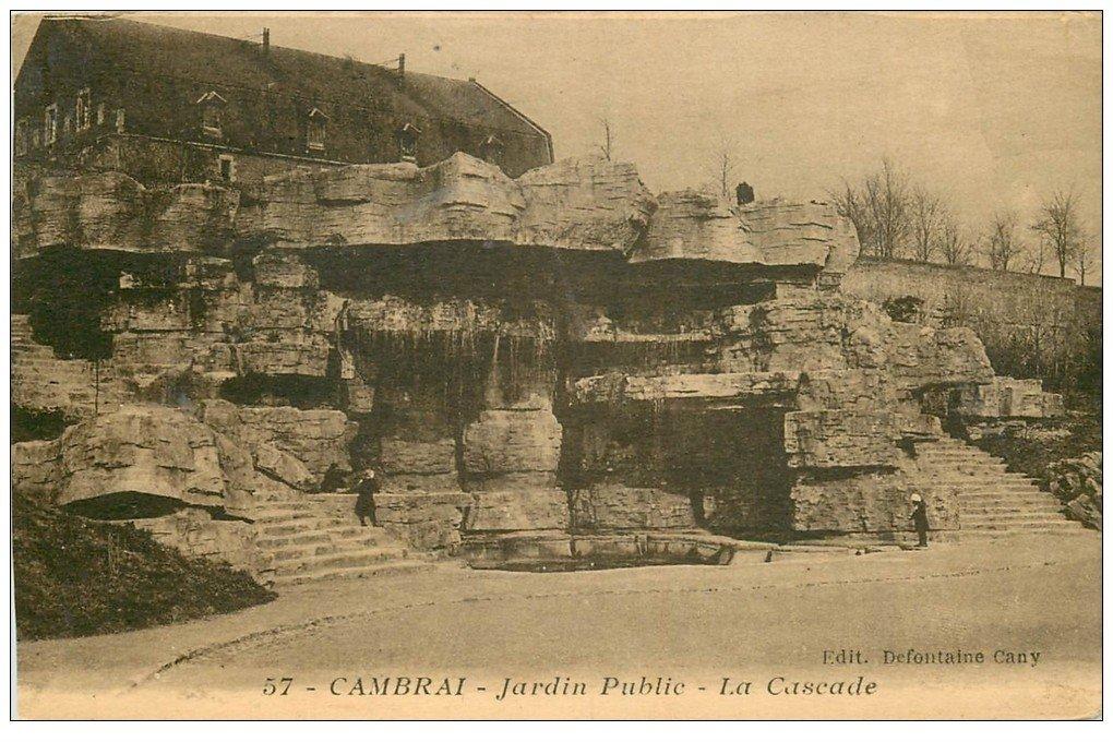 carte postale ancienne 59 CAMBRAI. La Cascade au Jardin Public 1950