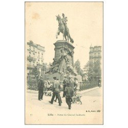 carte postale ancienne 59 LILLE. Statue du Général Faidherbe