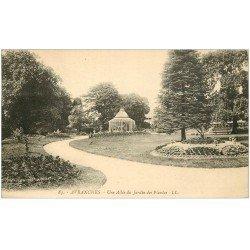 carte postale ancienne 50 AVRANCHES. Jardin des Plantes une Allée 1926