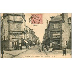 carte postale ancienne 50 AVRANCHES. Rue Constitution Magasin Journaux et Cartes Postales 1905