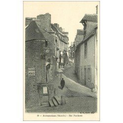 carte postale ancienne 50 AVRANCHES. Rue Pendante Peintres en Lettres sur échelle