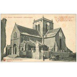 carte postale ancienne 50 BARFLEUR. Eglise, Cimetière, Monument aux Morts et Voiture