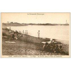 carte postale ancienne 50 BARFLEUR. Plage et Phare de Gatteville