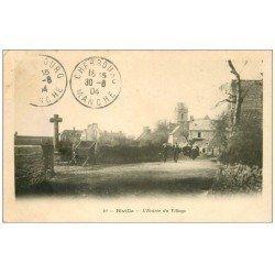 carte postale ancienne 50 BIVILLE. Entrée du Village 1904. Timbre absent