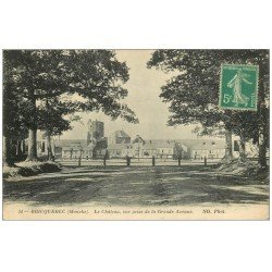 carte postale ancienne 50 BRICQUEBEC. Le Château de la Grande avenue 1915