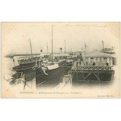 carte postale ancienne 50 CHERBOURG. Embarquement Passagers sur l'Ariadne 1903