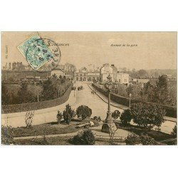 carte postale ancienne 50 COUTANCES. Avenue de la Gare vers 1907. Comme toilée...