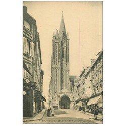 carte postale ancienne 50 COUTANCES. Rue Geoffroy-de-Montbray et Lunettier