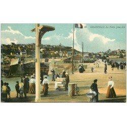 carte postale ancienne 50 GRANVILLE. Vendeur de Glace ambulant sur Jetée 1914