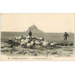 carte postale ancienne 50 LE MONT SAINT-MICHEL. Prés Salés des Grèves. Pâtres et Moutons 1947 LL 25