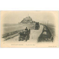 carte postale ancienne 50 LE MONT SAINT-MICHEL. Transports Attelages sur la Digue