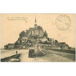 carte postale ancienne 50 LE MONT SAINT-MICHEL. Transports Voiture ancienne sur la Digue