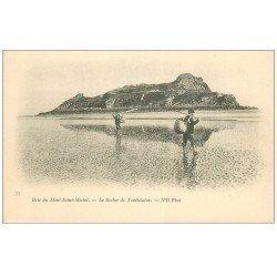 carte postale ancienne 50 LE MONT-SAINT-MICHEL. Pêcheurs de Crevettes et Crustacés. Rocher de Tombelaise