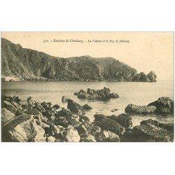 carte postale ancienne 50 LE NEZ DE JOBOURG. La Falaise