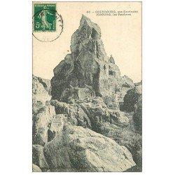 carte postale ancienne 50 LE NEZ DE JOBOURG. Les Rochers 1912 animation