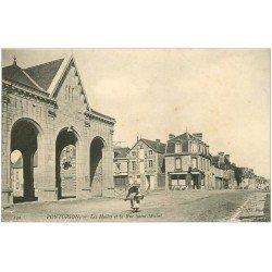 carte postale ancienne 50 PONTORSON. Les Halles Rue Saint-Michel