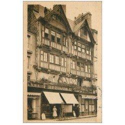 carte postale ancienne 50 SAINT-LO. Magasin Dujardin 1945 et Café