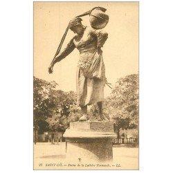 carte postale ancienne 50 SAINT-LO. Statue Laitière