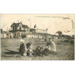 carte postale ancienne 50 SAINT-PAIR-SUR-MER. La Plage Femmes et ombrelle. Timbre manquant