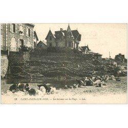 carte postale ancienne 50 SAINT-PAIR-SUR-MER. Les Laveuses sur la Plage 1922
