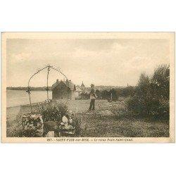carte postale ancienne 50 SAINT-PAIR-SUR-MER. Vieux Puits Saint-Gaud 1927