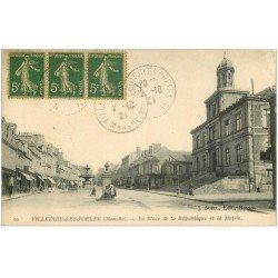 carte postale ancienne 50 VILLEDIEU-LES-PEOLES. Mairie Place République 1921