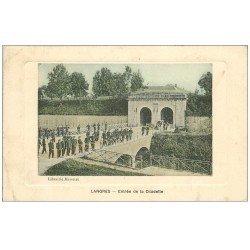 carte postale ancienne 52 LANGRES. Entrée de la Citadelle 1911 Militaires