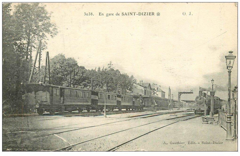 52 saint dizier locomotive vapeur en gare. Black Bedroom Furniture Sets. Home Design Ideas
