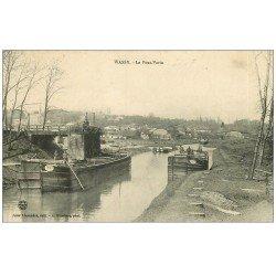 carte postale ancienne 52 WASSY. Péniches et le Pont-Varin