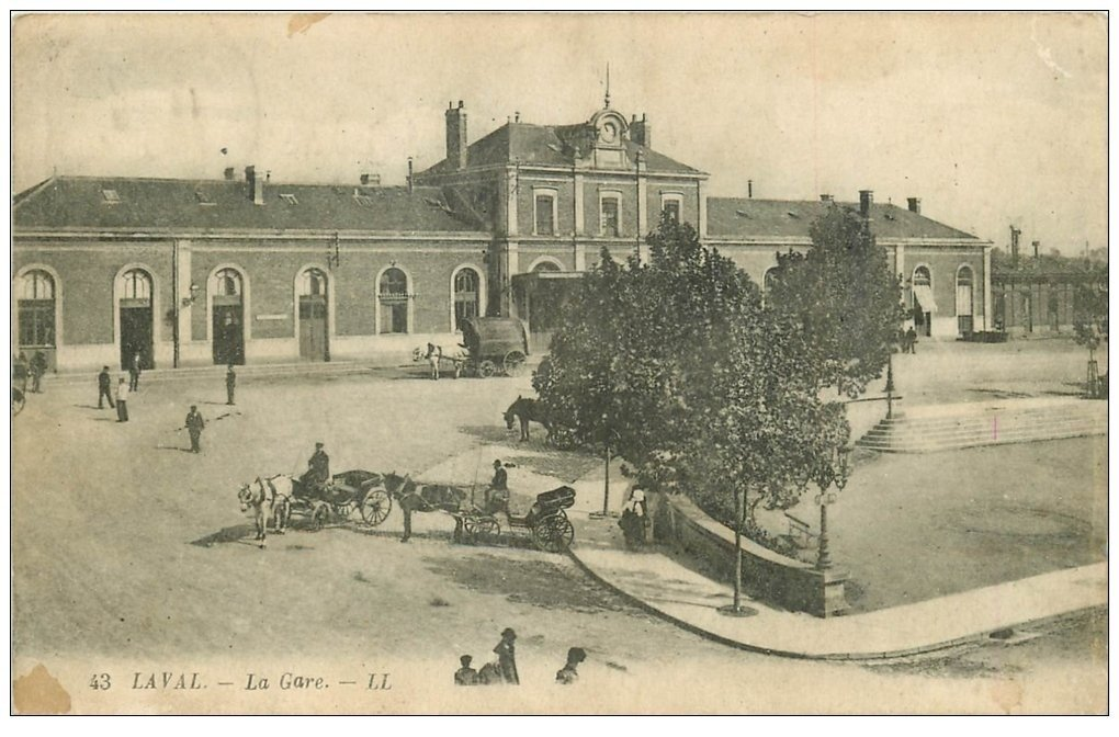 carte postale ancienne 53 LAVAL. La Gare