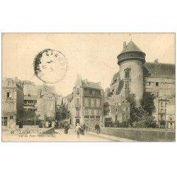 carte postale ancienne 53 LAVAL. Pont Vieux sur Grande Rue 1915