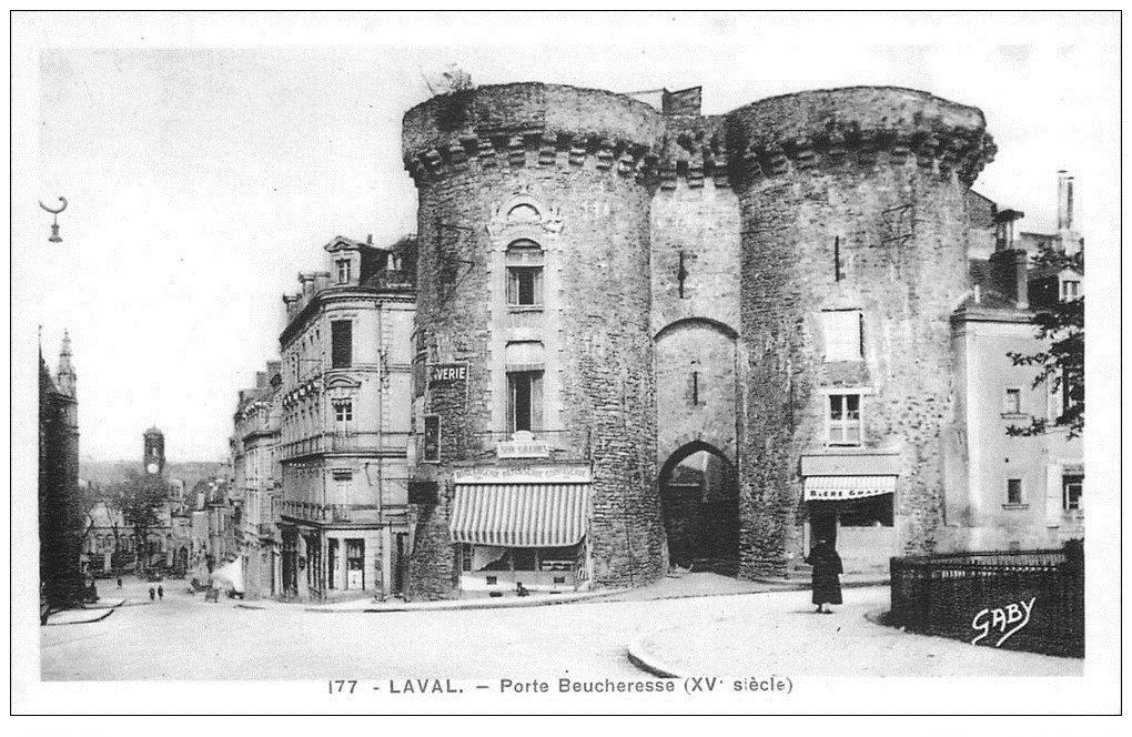 carte postale ancienne 53 LAVAL. Porte Beucheresse avec Boulangerie