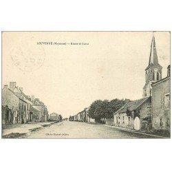 carte postale ancienne 53 LOUVERNE. Route de Laval 1916
