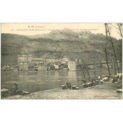 carte postale ancienne 12 CAPDENAC GARE. Le Pont avec Lavandières Laveuses 1915