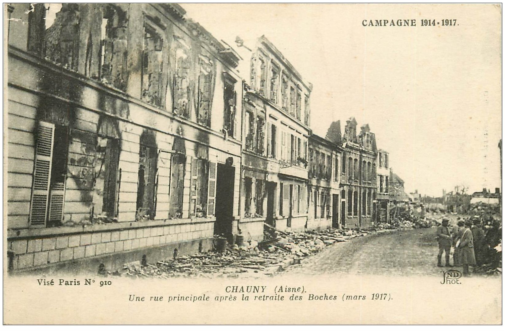 carte postale ancienne 02 CHAUNY. Une Rue principale