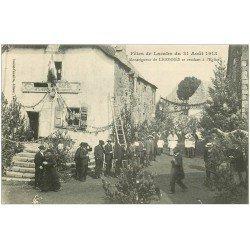 carte postale ancienne 12 Fêtes de LACALM. Monseigneur de Ligonnes vers l'Eglise en 1913. Café décoré