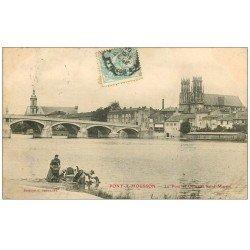 carte postale ancienne 54 PONT-A-MOUSSON. Lavandières Pont et Quartier Saint-Martin 1905